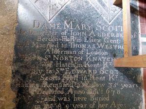 Berden_St_Nicholas_interior_-_18_Dame_Mary_Scott_detail